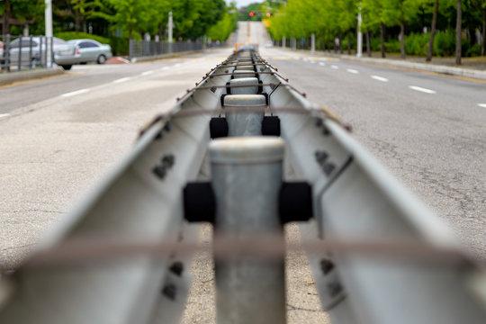 Roadside central separation fence