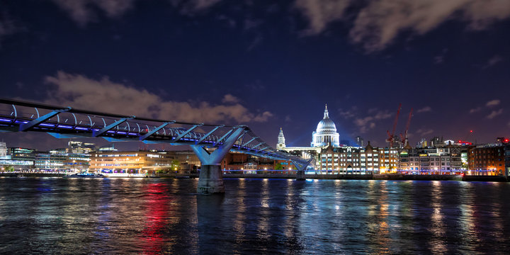 St Paul's Cathedral and the Millennium Bridge at night