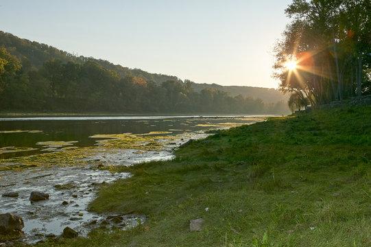 Star burst sun over the White River, Arkansas