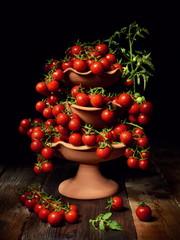 Natura morta con pomodoro ciliegino di Pachino