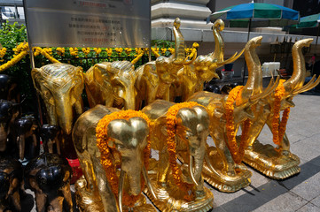 エラワン廟の象