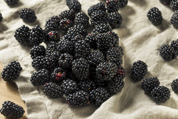 Raw Black Organic Blackberries