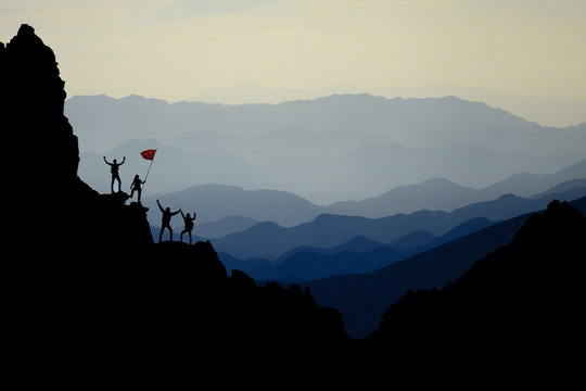 extraordinary mountains, challenging territories and successful team work