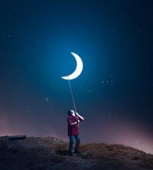 Drag the moon