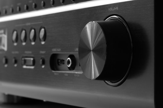 Front side of the AV receiver with volume knob