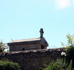Photo sur Toile Monument monument religieux dans cimetière