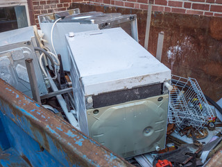 Alte Küchengeräte Abfall Container