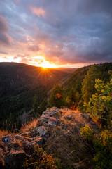 Dramatisches Licht über dem Tal im Harz