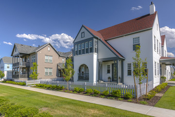 Townhomes in pleasant neighborhood
