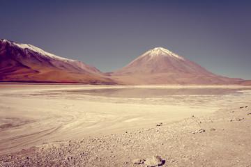 Clear altiplano laguna in sud Lipez reserva, Bolivia