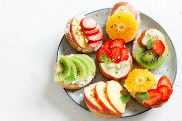 Fruit dessert sandwiches