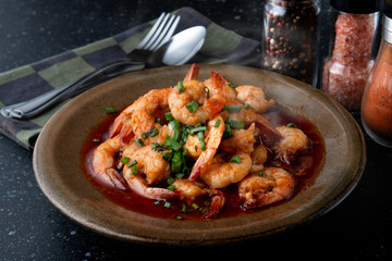 Cooked shrimps with olive oil.