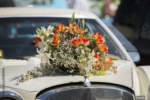 Hochzeitsblumen Autoschmuck Stock Photo And Royalty Free Images On