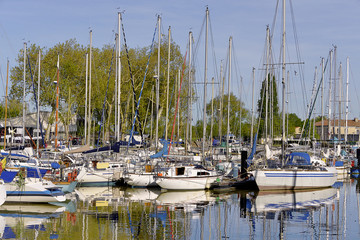 Port of Rochefort, a commune in southwestern France on the Charente estuary. It is a sub-prefecture of the Charente-Maritime department.