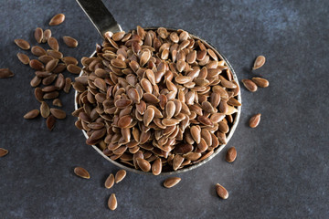 A tablespoon of brown flaxseeds