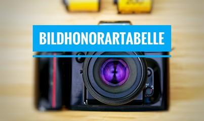 Kamera mit Bildhonorartabelle in englisch Picture fee table