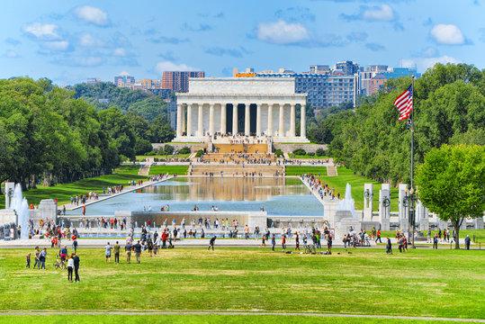 Washington, USA, Lincoln Memorial, U.S. National Memorial and World War II Memorial.
