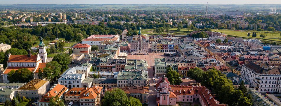 Poland, Zamosc: Great Market Square - aerial view