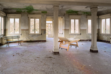 Camera ospeda abbandonato di garbagnate