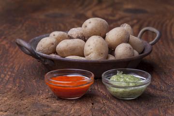 Typische Kartoffeln von den kanarischen Inseln mit Mojo