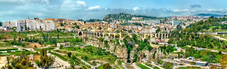 Zelfklevend Fotobehang Algerije Skyline of Constantine, a major city in Algeria