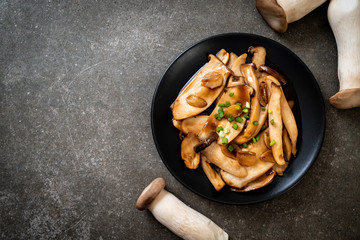 stir-fried king oyster mushroom in oyster sauce