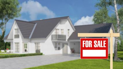 Haus mit For Sale Schild im Garten