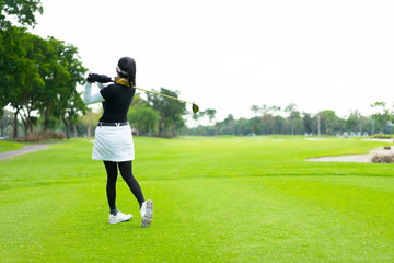 Victory in golf from a feminine focus.