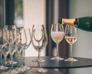 Tasting White Champagne