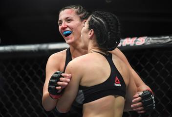 MMA: TUF 27 Finale-De La Rosa vs Ostovich