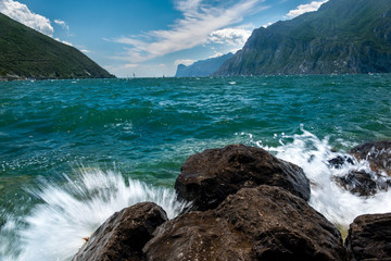 Der Gardassee Italien Ausblick auf den See