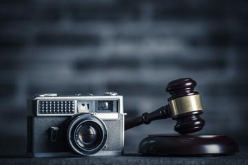 ハンマーとカメラ