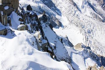 Gletscher, Schnee & Felslandschaft am Aiguille du Mid, Mont-Blanc-Massiv,  französische Alpen