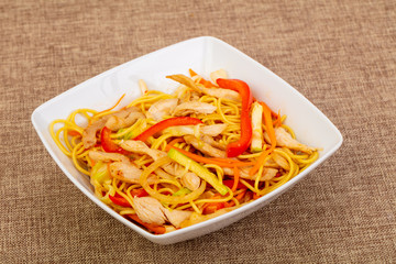 Wok noodle with pork and vegetables