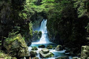 厳立峡 三ツ滝