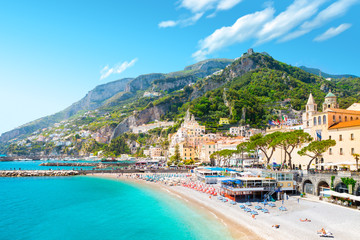 Papiers peints Cote Morning view of Amalfi cityscape on coast line of mediterranean sea, Italy