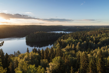 Foto auf Leinwand Skandinavien Scenic and beautiful view of a lake and forests from Aulanko's observation point in Hämeenlinna, Finland, at morning in the summer.