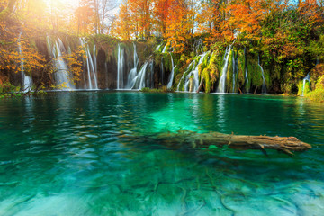 Wall Mural - Amazing autumn landscape with waterfalls in Plitvice National Park, Croatia