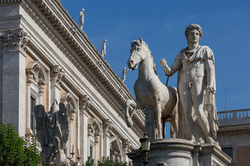 Statue and building in Rome
