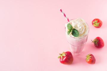 Fotobehang Milkshake Strawberry milkshake or smoothie and fresh raw berries