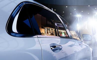 luxury car celebrity flash lights