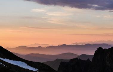 Levé de soleil sur les Pyrénées