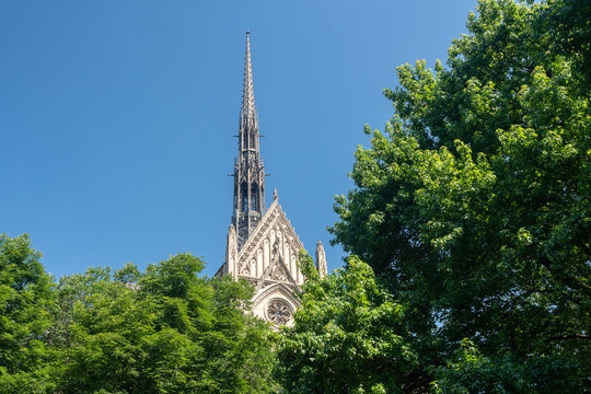 Heinz Chapel building at the University of Pittsburgh