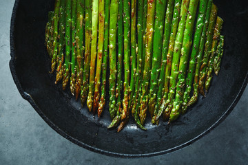 roasted asparagus in Cast-iron pan
