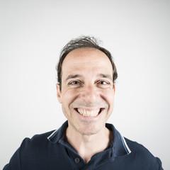 Hombre sonriente