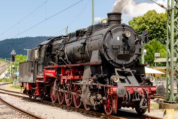 Historische Dampflock im Schwarzwald Murgtal