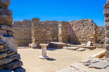 Fotomurales - Ancient ruins in the island of Delos in Cyclades, one of the most important mythological, historical and archaeological sites in Greece.
