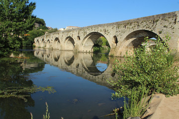 pont vieux sur l'orb à béziers en france