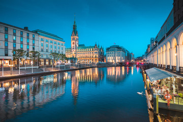 Wall Mural - Hamburg skyline with city hall at twilight, Germany