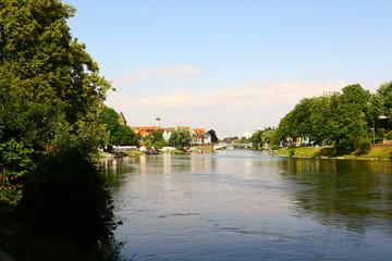 Blick auf die Donau im Zentrum von Ulm
